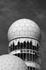 Teufelsberg in Infrarot (Alf Layla wa Layla) Tags: berlin deutschland germany nsa spionage spy espionage abhöranlage berg hill mountain grunewald infrarot infrared ir