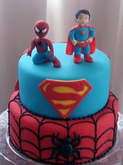 Bolo Homem Aranha e Super Homem (Elaine Russo - Delizie! Arte com Acar) Tags: cake spiderman superman bolo