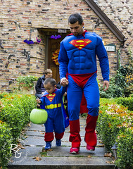 Father/Son Supermen (rachaellegrimsrud) Tags: costumes halloween candy trickortreat superman idaho boise supermen northend harrisonblvd historicboise fathersoncostumes