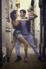 (Fer Devincenzi) Tags: argentina dance buenosaires couple dancers pareja tango bailarina cementeriodelarecoleta bailarines tangodancers bailarin bailarinesdetango pasosdebaile