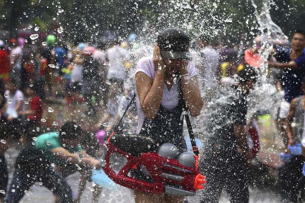 Lễ hội té nước của dân tộc Dai, Trung Quốc