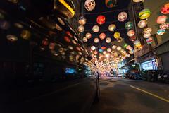 普濟殿映像 (hosihane) Tags: 室外 台灣 台南中西區 普濟殿 花燈 過年 燈籠 張燈結綵 街道 夜晚 巷子 老街 點燈 影子 車