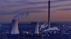Kraftwerk Herne zur Blauen Stunde (ulrichcziollek) Tags: nordrheinwestfalen herten recklinghausen halde hoheward horizontobservatorium kraftwerk blaue stunde