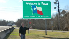 Back-in-time: Texas-2013 - Welcome! (Traveller-Reini) Tags: texas usa northamerica nordamerika usasouth sightseeing signs lonestar wildwest america amerika desertcountry outdoor road interstate highway schild strassenschild roadtravelling strasenschild trafficsign