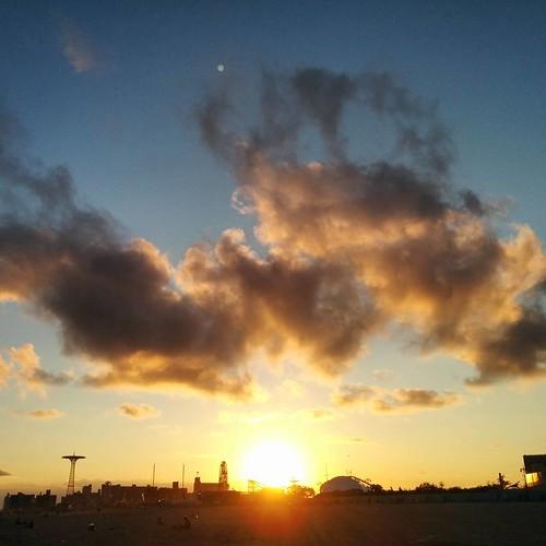 #coneyislandsunset #sunsetnyc #nofilter #om
