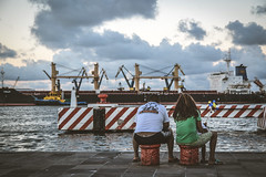 Familia (Gloria Salgador) Tags: sea sky architecture clouds photography muelle mar dock arquitectura fotografia