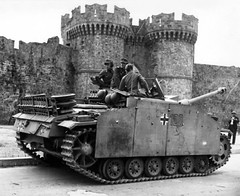 "Sd.Kfz 142 • <a style=""font-size:0.8em;"" href=""http://www.flickr.com/photos/81723459@N04/22185856336/"" target=""_blank"">View on Flickr</a>"