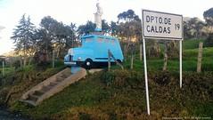 Carretera Sonsn Aguadas (Ivan Mauricio Agudelo Velasquez) Tags: strada carretera altar via escultura camion cemento letrero virgen icono autobhan