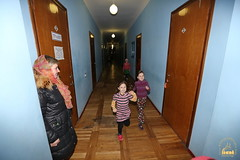 02. Humanitarian assistance for refugees at Svyatogorsk Lavra / Раздача гуманитарной помощи беженцам Лавры