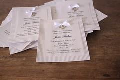Convites para o batizado do João Fábio (Mimos Art - Para mamães e noivas) Tags: lembrancinhabatizado lembrancinhasofisticada sachêbordado lembrancinhamenino bege minilivrinhodeoração convitebatizado