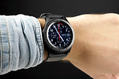 android gears3frontier samsung samsunggear... (Photo: nbsphonea on Flickr)