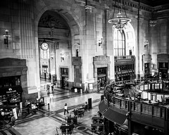 Union Station in Kansas City ~ Thanks for Explore (d_russell) Tags: unionstation kansascity canon5dmarkiii ef24105mmf4 blackandwhite 365the2017edition historic clock