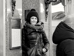 Smile (Gerd Trynka-Ottosohn) Tags: ottosohnfoto budapest gerdtrynka germany streetphotography bw candid schwarzweiss blickkontakt lächeln friendlylook smile sw fujixt10 xf56mmf12
