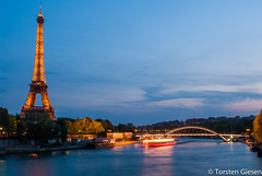 Paris_Tour-Eiffel_l´heure-bleu_25042007_4 (giesen.torsten) Tags: paris seine latoureiffel eiffelturm blauestunde nikon nikond200 tokinaaf1224mmf4
