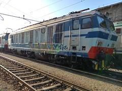 e633-204 (andrewcabassa) Tags: e633 tigre locomotore treno sestriponente mercitaliarail livreaold sosta liguria italy italia train railway railstation fs trenitalia ferroviedellostato stazione fotocamera