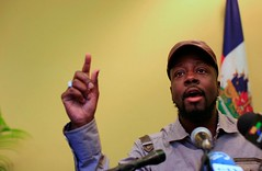 Wyclef Jean Handcuffed By LAPD Officers in Search of an Armed Robber (BennyCapricorn) Tags: armedrobber arrest handcuffed lapdofficers wyclefjean