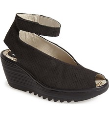 "Fly London Yala sandal black • <a style=""font-size:0.8em;"" href=""http://www.flickr.com/photos/65413117@N03/33292056121/"" target=""_blank"">View on Flickr</a>"