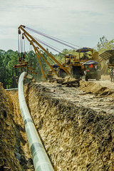 Laying the Sabal Pipeline Spur 1 (jameskirchner15) Tags: naturalgas pipeline sabalpipeline industry energy heavyequipment florida dukeenergy work machinery