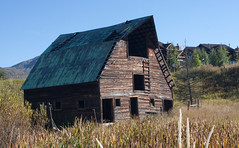 Old Abandoned Barn (coconv) Tags: abandoned barn vintage dead junk decay salvage wrecked decaying