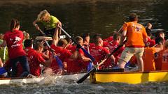 Finalrennen der Schnellsten (nirak68) Tags: deutschland rennen dragonboatracing paddeln drachenbootfestival ruderer kanaltrave 241365 klughafen c2015karinslinsede finalederschnellsten