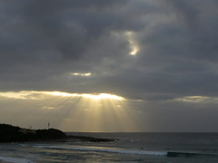 Beam me up (CNDoz) Tags: light beach sunrise surf sunbeam freshwater freshwaterbay cndoz