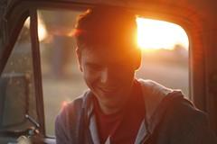 Cuando menos, Adiós (J.J.Evan) Tags: boy sunset sun sunlight sol smile face truck canon hair atardecer happy 50mm focus warm soft alma feel happiness voice soul messy flare sonrisa felicidad feeling chico truly voz rostro cálido