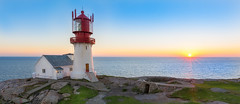 Ready to take over ☄ (Ranveig Marie Photography) Tags: sunset solnedgang pano panorama lindesnesfyr lindesnes vestagder norway norge norwegen lindesneslighthouse lighthouse grass building architecture sørlandet light images pictures photos ranveigmarienesse ranveignesse norvege noruega norsk norwegian explore explored natur nature sea ocean coast shore seascape sun vesturskin pics photographs visitnorway fyr fyrtårn bilder sigmaart sigmaart1835mm sigma nikon nikond5200 photography sonnenuntergang solnedgong