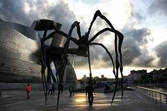 La araña Mamá del museo Guggenheim, Bilbao (P.H.F.) Tags: bilbao araña mama mejor foto fllickr bourgeois guggenheim entorno museo mundo del louise mamam paisaje