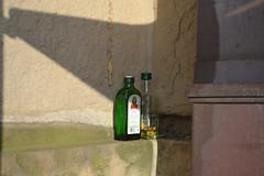 DSC_1392 (matthiasmayer410) Tags: alkohol sucht penner stadtstreicher schnaps jägermeister bahnhof trinken pause