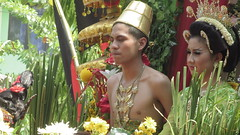 IMG_6082 (kayreal) Tags: girls woman girl beauty festival indonesia women traditionalart indah asiangirl wanita 2015 cantik blora agustusan gadis cewek indonesiangirl demosntrasi pertunjukan barongan beautufiul senitradisional khairiladi festivalbarongan sma1blora smktunjungan