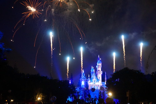 "Disneyland Forever Fireworks • <a style=""font-size:0.8em;"" href=""http://www.flickr.com/photos/28558260@N04/20663352416/"" target=""_blank"">View on Flickr</a>"
