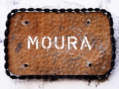 Moura (K@spa) Tags: street old city cidade streets heritage metal wall plaque ancient rust iron antique steel board rusty plate velha sheet aged wheezy placa ferrugem velho bidos parede joo slab ruas chapa smutty moura patrimony rstico patrimnio kspa jooreganha reganha