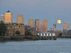 London's full moon (Steve Denny) Tags: london water buildings river evening fullmoon canarywharf riverthames cityoflondon bloodmoon nightphotogtraphy canonpowershotg10 stephenmichaeldenny