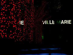 en attendant la neige... les décos (photosgabrielle) Tags: xmas city lights montreal noel ville placevillemarie olympusdigitalcamera décorationsnoel photosgabrielle