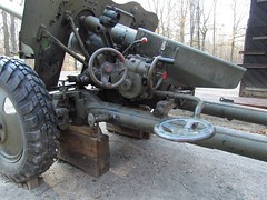 "85 mm divisional gun D-44 9 • <a style=""font-size:0.8em;"" href=""http://www.flickr.com/photos/81723459@N04/23587842251/"" target=""_blank"">View on Flickr</a>"