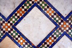Dar Si Said / floor detail (Images George Rex) Tags: marrakech marrakechsafi morocco darsisaidmuseum muséedarsisaïd zellige zellig zellij marbletiles floor courtyard photobygeorgerex imagesgeorgerex maroc marrakesh ma ⵜⴰⴳⵍⴷⵉⵜⵏⵍⵎⴰⵖⵔⵉⴱ المملكةالمغربية mosaic