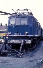 118 045  Würzburg  11.02.84 (w. + h. brutzer) Tags: würzburg eisenbahn eisenbahnen train trains deutschland germany railway elok eloks lokomotive locomotive zug 118 e18 db webru analog nikon