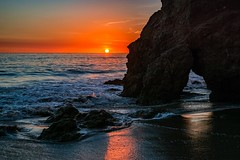 El Matador Sunset ((Jessica)) Tags: 35mmf18 sony sonya6000 sonyalpha sunset elmatador elmatadorstatebeach beach rockformation arch water sky california malibu