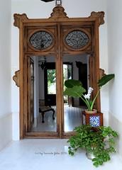 Portal de una casa-Alameda (Málaga) (lameato feliz) Tags: alameda portal puerta andalucía casa