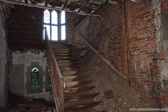 Stairway to Heaven? More photos and info here: http://www.placesthatwere.com/2017/01/abandoned-city-methodist-church-gary-indiana.html #Abandonedplaces #stairs #urbanexploration #urbex #gary #indiana #urbandecay #abandonedchurch #church #ruins #modernruin (placesthatwere) Tags: abandoned urbanexploration ghosttowns urbex rurex abandonedplaces forgottenplaces urbandecay decay beautifuldecay