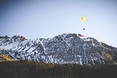 Gleitschirm (nicopeter) Tags: canoneos80d nicopeter niceweather winter zeiss zeissplanart1450ze planar 50mm see lake ice gefroren vintage sun sunnyday mountains berge schweiz