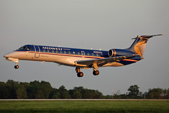 N28529 Midwest Connect Embraer ERJ-135LR at KCLE (GeorgeM757) Tags: n28529 midwestconnect erj135lr emb135 embraer regionaljet midwest aircraft airplane alltypesoftransport aviation airport kcle georgem757