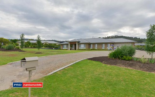 8 Daintree Circuit, Tamworth NSW