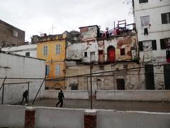 Soccer in the Casbah (magellano) Tags: algiers algeri algeria casbah calcio soccer ragazzo child casa house football muro wall rete net