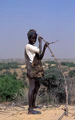 berger - shepherd - pastor (christing-O-) Tags: africa boy portrait black desert shepherd glance mauritania 2for2 mnfg diawling
