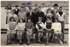 Tenth Grade Photo - Vintage (Tobyotter) Tags: blackandwhite bw students vintage teenagers schoolphoto classphoto