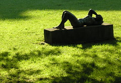 Sunbathing (:Linda:) Tags: park shadow summer people sculpture woman black green metal germany naked town leute lawn skulptur thuringia nackt leisure grn frau schatten schlosspark sunbathing pleasure rhn mensch meiningen castlegrounds rhoen womansculpture madeofmetal chateaupark metallgegenstand ausmetallgemacht nonalivepeople moreorlessnaked peoplemadeofmetal