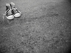 Rule of thirds (intrigueimages) Tags: shoe shoes converse chucks chucktaylor
