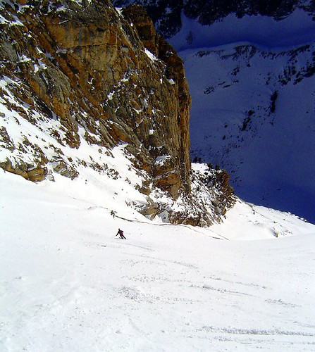 Skiing towards the lower couloir