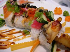 dragon roll (Satya W) Tags: food mall sushi asian japanese supermarket pim jakarta foodcourt sogo foodhall dragonroll pondokindah daisho pim2